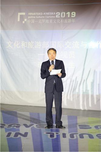 文化和旅游部国际交流与合作局一级巡视员李健钢先生