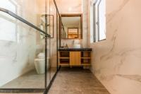 卫生间仅3㎡也别再用浴帘,这样去隔断上档次,省空间打理也方便